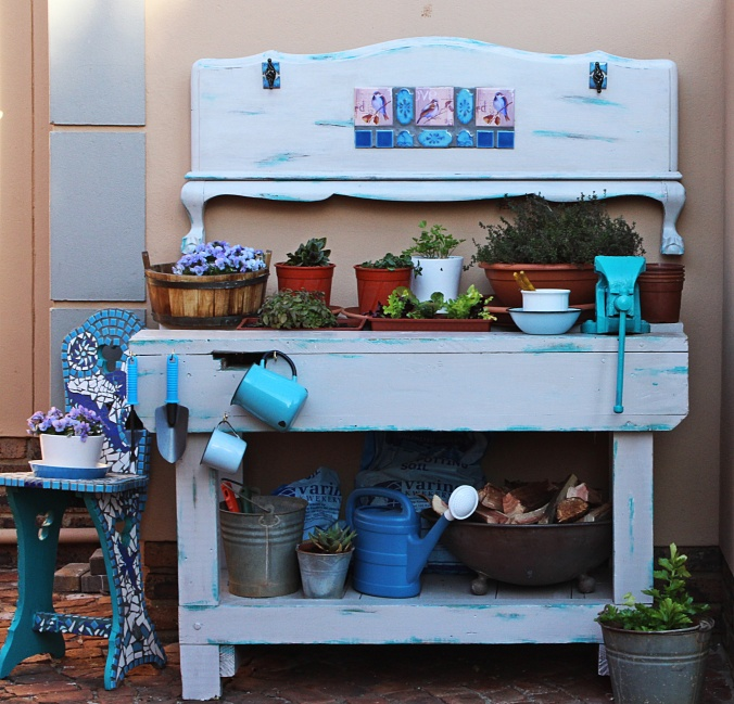 potting bench fin