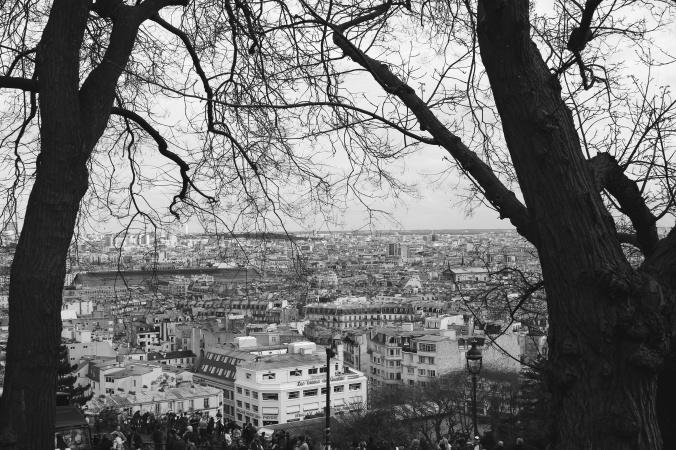 Parys 14 B&W far